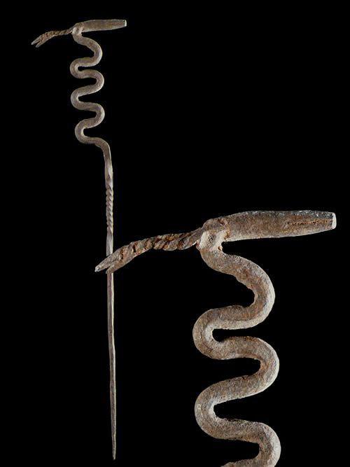 Fer noir autel vipere et antilope - Dogon - Mali