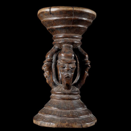 Siege autel - Pende - RDC...