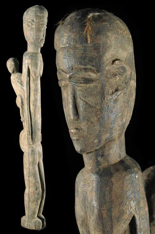 Maternite en bois et libations - Lobi - Burkina Faso