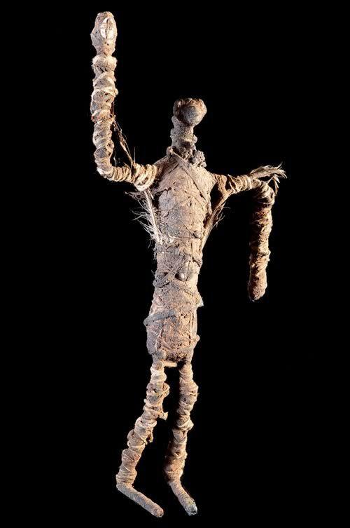 Statue figurant un gardien de Forge - Bobo Fing - Burkina Faso