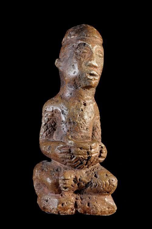 Ntadi / Bitumba Funeraire en Pierre - Kongo - RDC Zaire