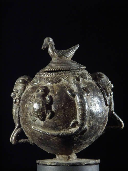 Pot a onguents magiques en bronze - Dogon - Mali - Bronzes