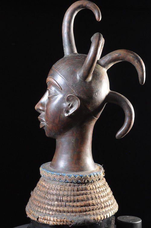 Tête commémorative masculine - Bini / Idoma - Nigeria