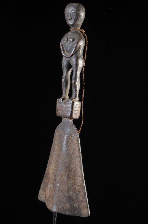 Racle en fer noir Awoko et son bois - Baoulé - Côte d'Ivoire