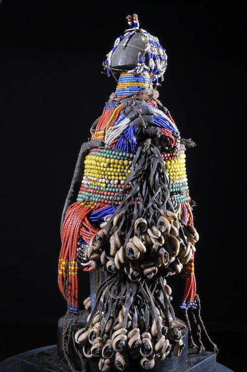 Poupee Ham Pilu - Fali - Cameroun - Poupees et perles africaines