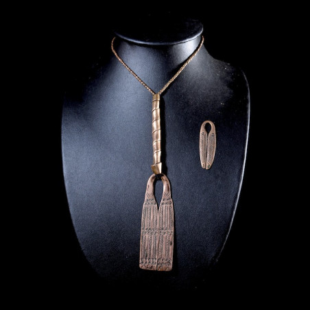 Collier pendentif en cuivre...