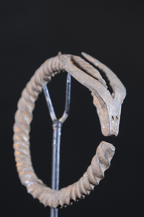 Bracelet en fer noir Nyikaryi - Senoufo - Côte d'Ivoire