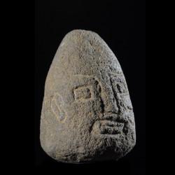 Tete votive en pierre...