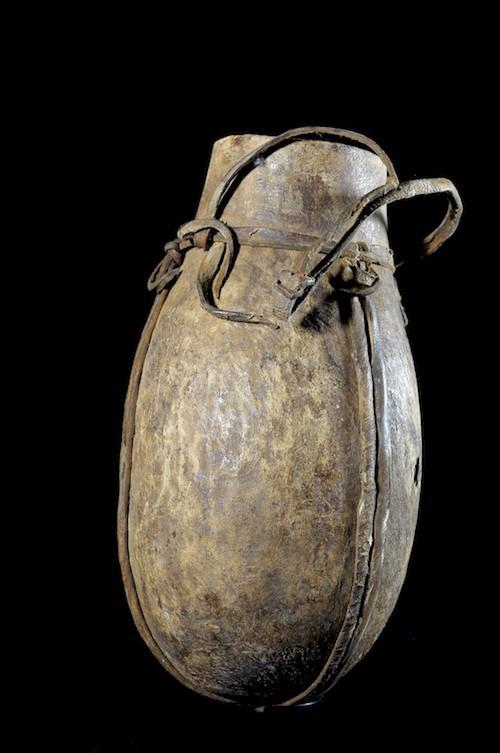 Pot a lait en bois - Mursi - Ethiopie - Objets usuels