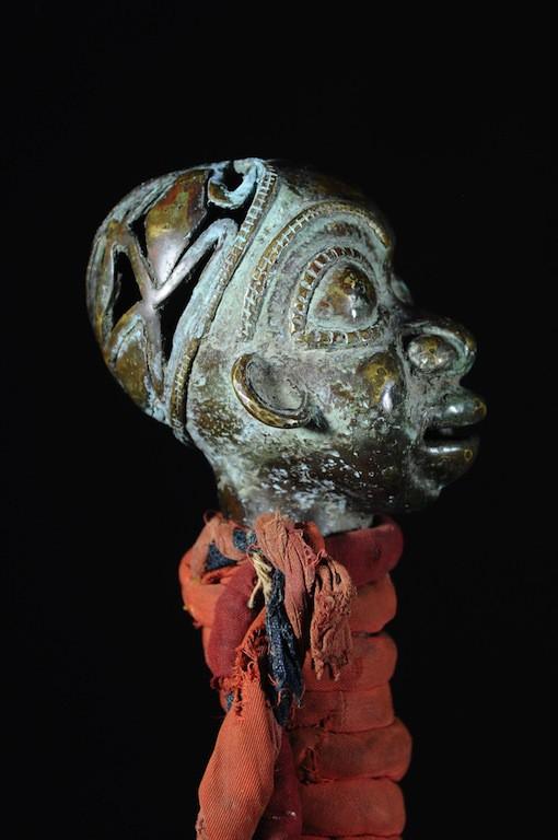 Gong en fer noir et bronze - Tikar - Cameroun