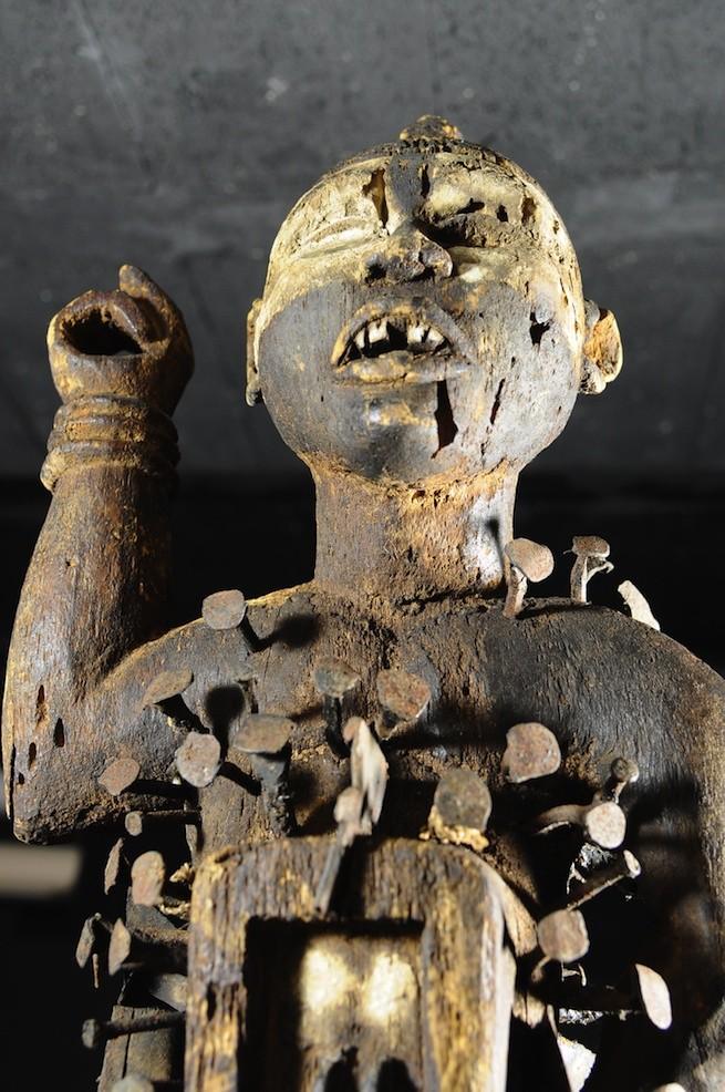 Fetiche Nkisi Nkonde - Kongo / Yombe - RDC Zaire - Nkisi Nkonde