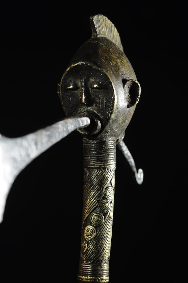 Hache figurative de regalia - Tiv - Nigeria
