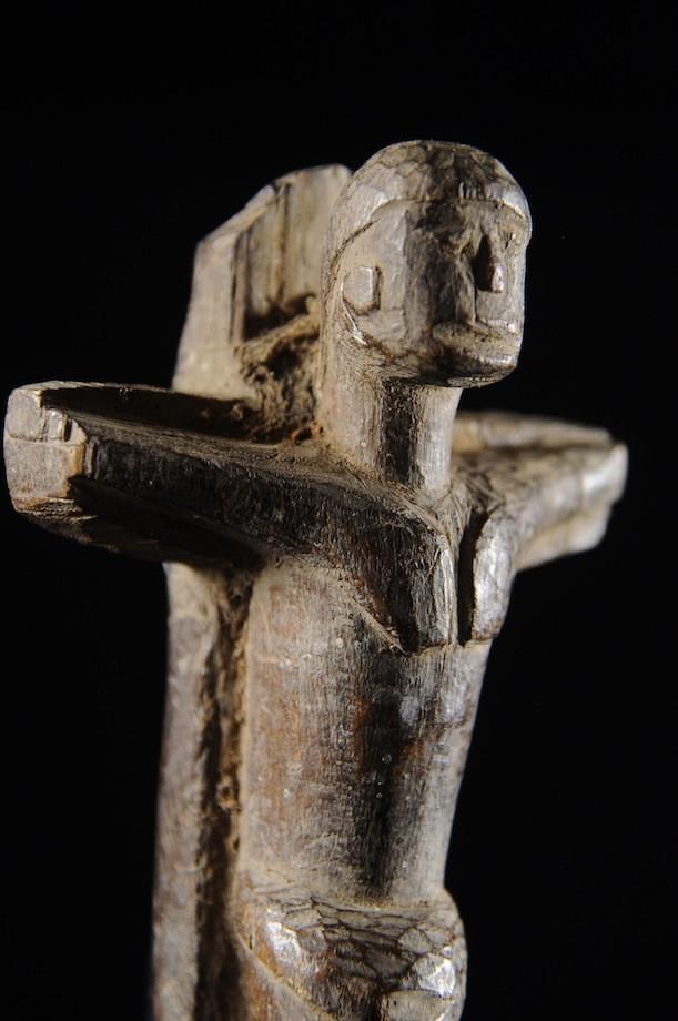 Crucifix en bois - Lobi - Burkina Faso