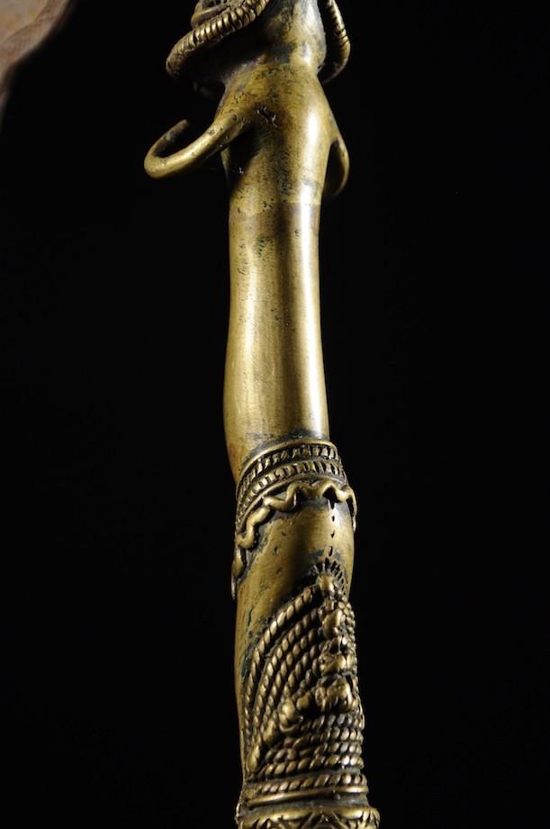 Hache Régalia en bronze - Bini - Nigéria
