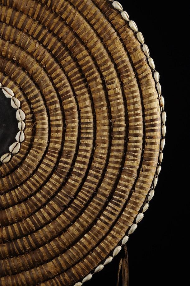 Van ou plateau de vannage en paille - Lobi - Burkina Faso