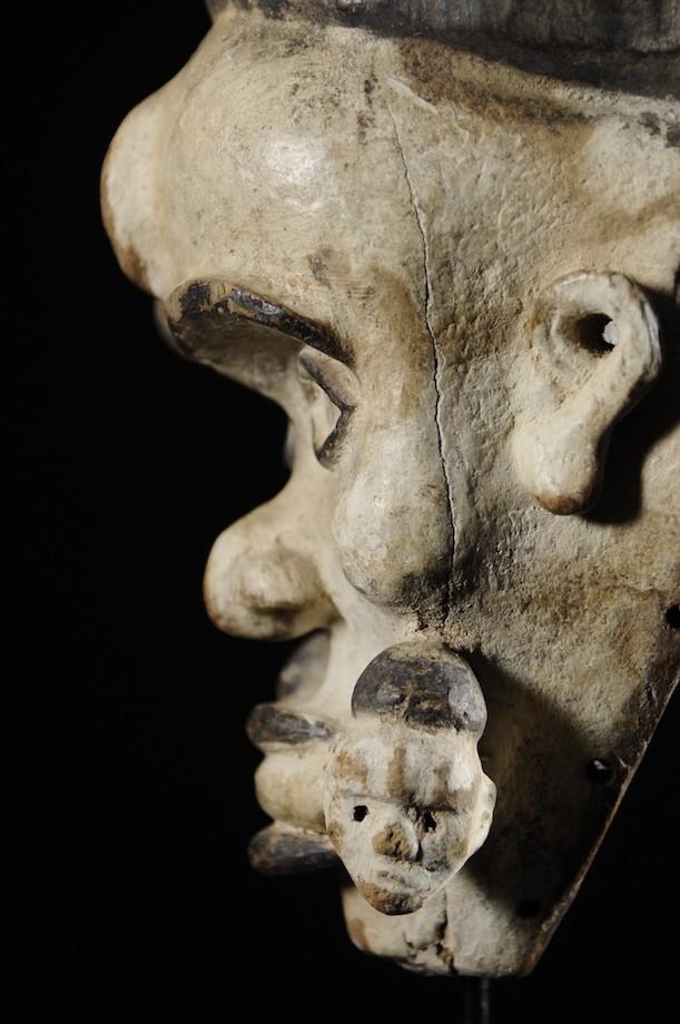 Masque portrait Blanc - Kongo Yombe - RDC Zaire