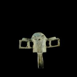Bague amulette cracheur de...