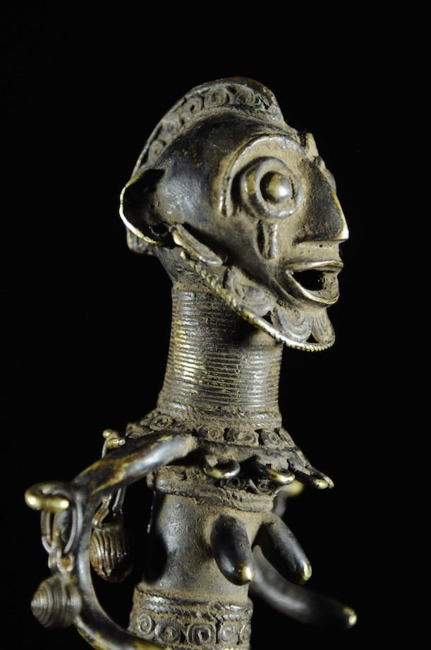 Statuette en alliage de bronze - Verre / Were - Nigeria Cameroun