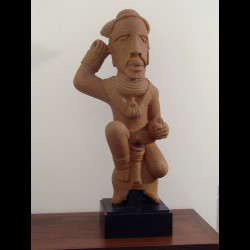 Personnage masculin en terre cuite 1er siecle - Civilisation Nok - Nigeria