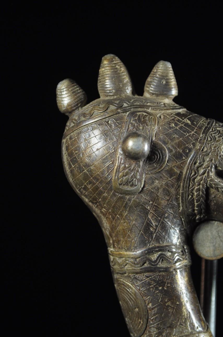 Zendé massue en fonte d'aluminium - Mossi - Burkina Faso - Objets de regalia
