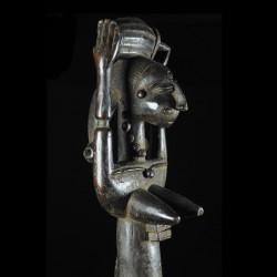 Statue de reine portant un tonneau - Attie - Côte d'Ivoire
