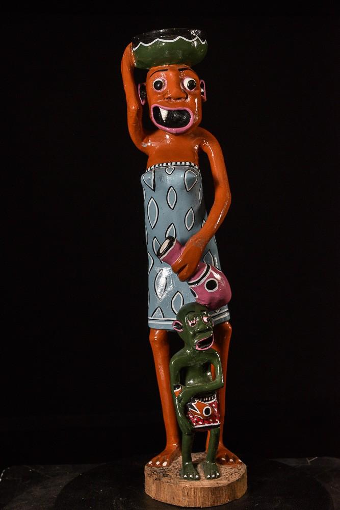 Sculpture Shetani Femme Vase Et Enfant - Agostino Malaba - Makonde