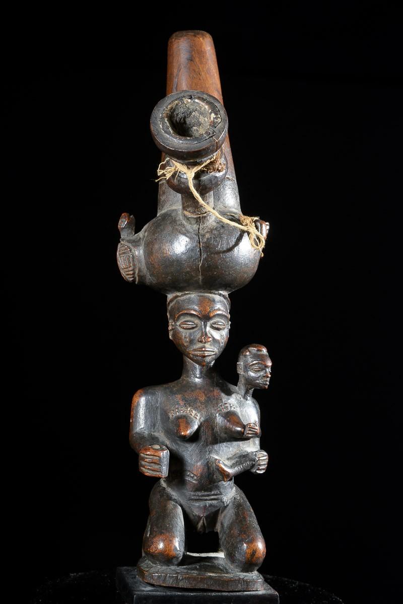 Pipe céremonielle a tabac ou chanvre - Chokwe - Angola