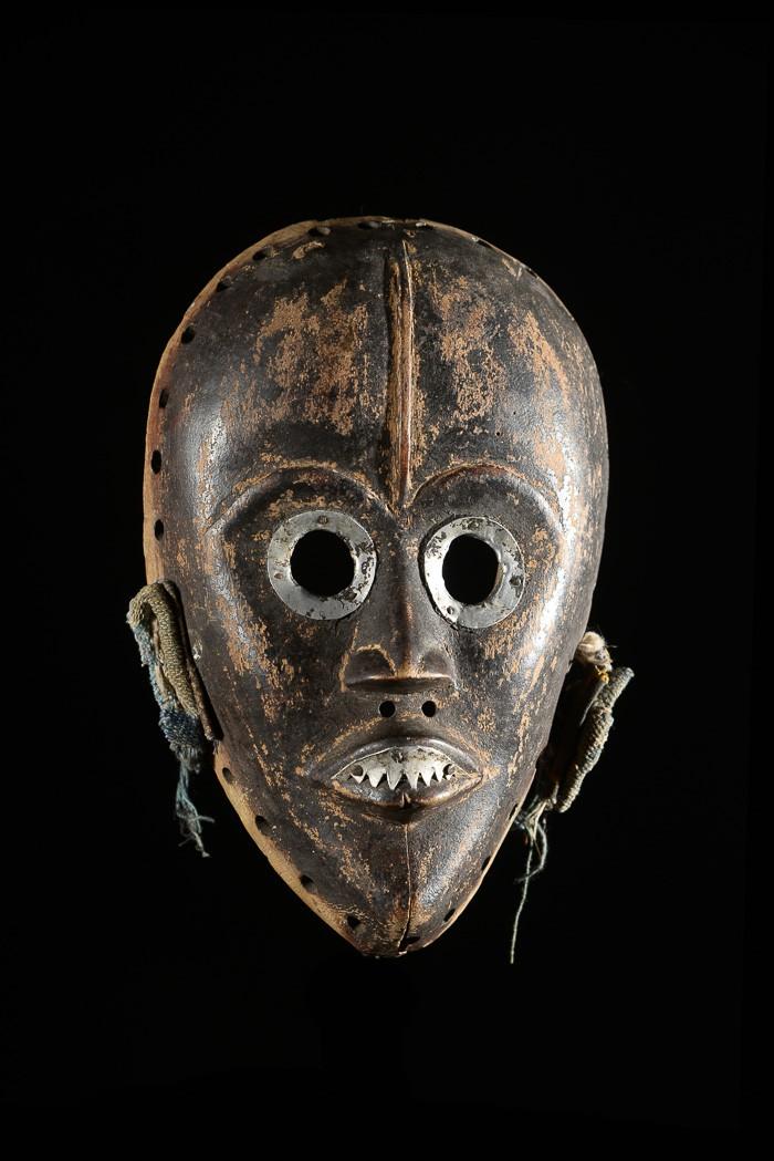 Masque feminin Aluminium - Dan / Yacouba - Liberia - Masques africains