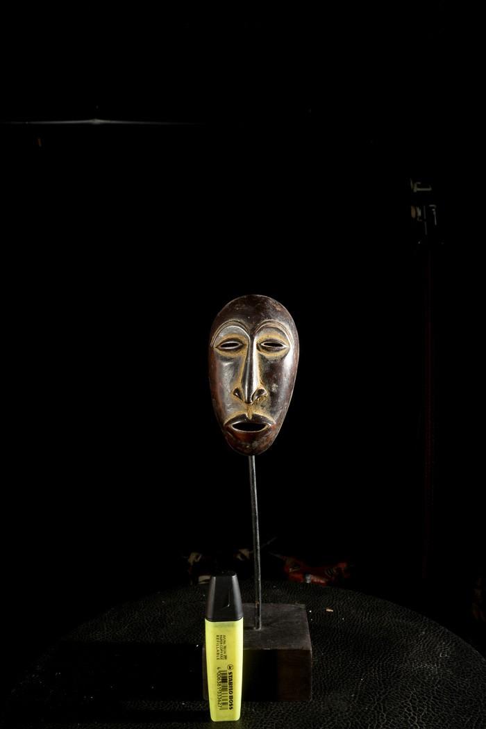 Masque passeport ou insigne de grade - Lega - RDC Zaire