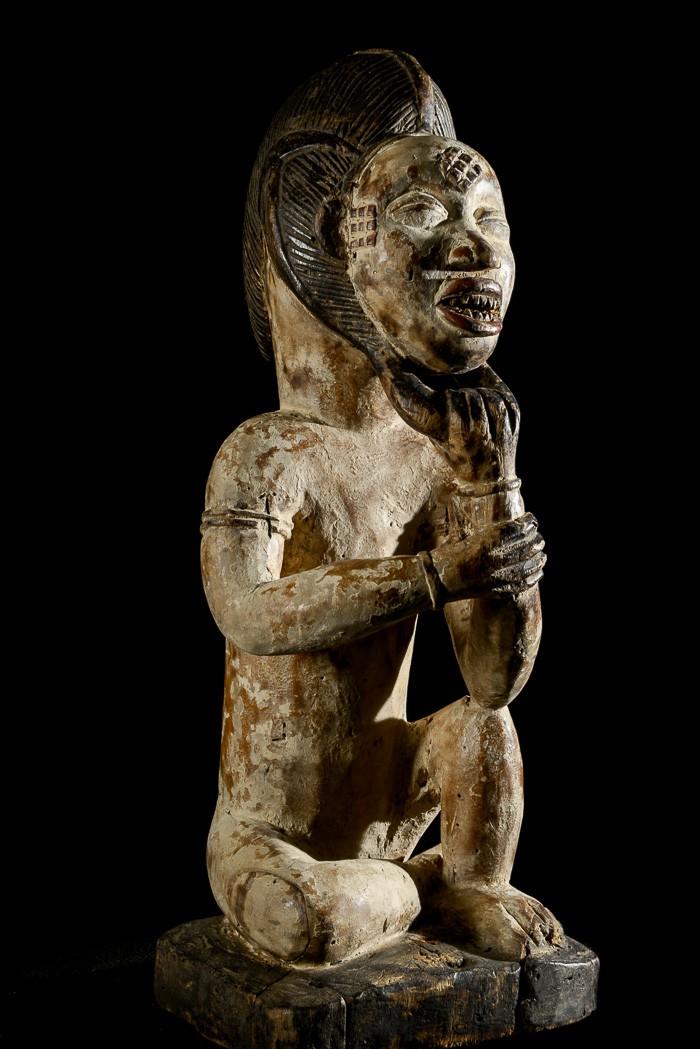 Statuette rituelle feminine masquée - Punu / Pounou Lumbu - Gabon