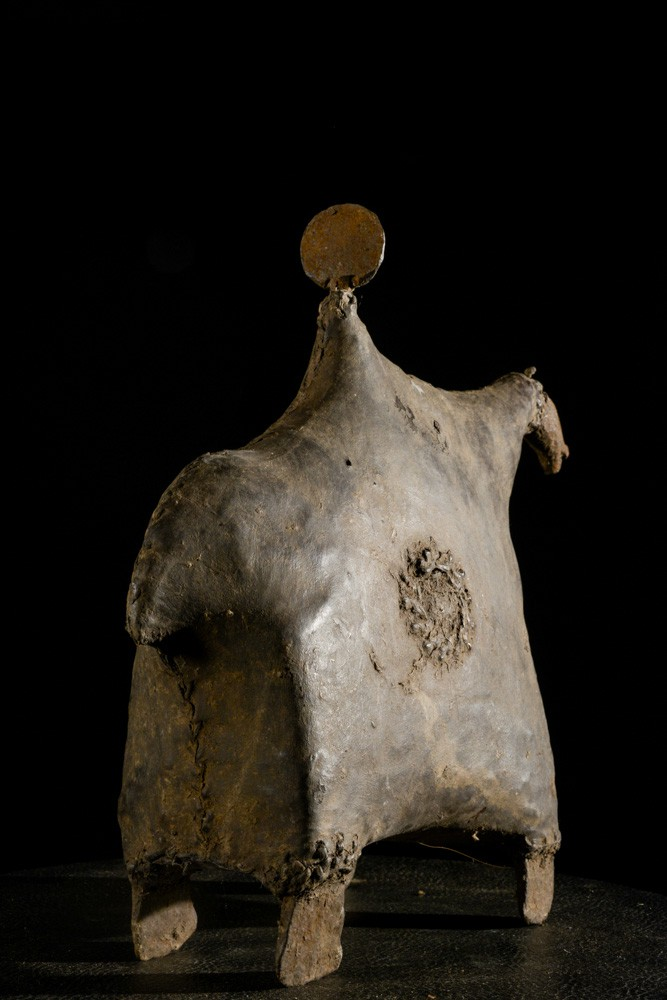 Cavalier et son cheval cuir et fer noir- Matakam - Cameroun