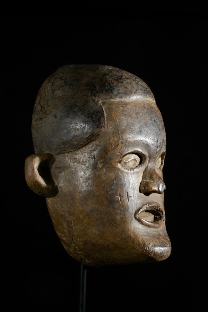 Masque anthropomorphe diminutif - Tabwa - RDC Zaire