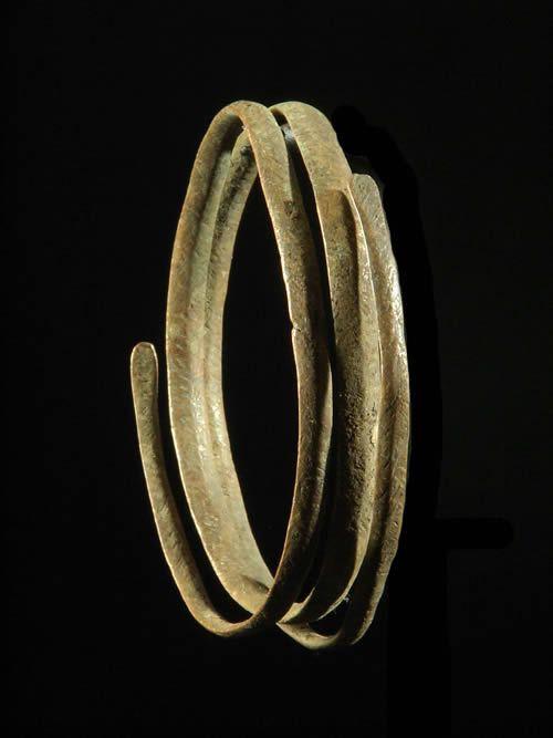 Bracelet ou tour de bras en cuivre rouge - Bongo - Soudan