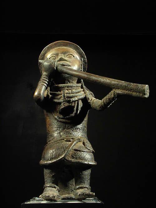 Joueur de trompe en bronze - Bini - Nigeria - Bronzes d'ife