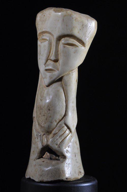 Figurine en os bovin - Lega - RDC Zaire - Sculptures en os