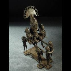 Roi Bamoun et porteurs en...