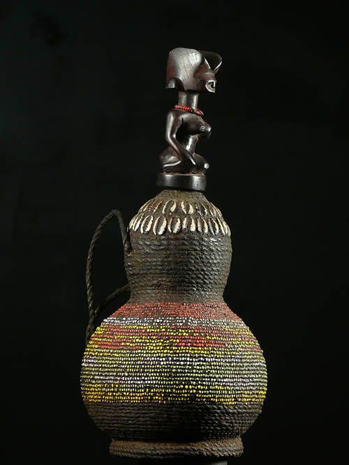 Gourde a substances magiques ou medicinales - Kwere - Tanzanie