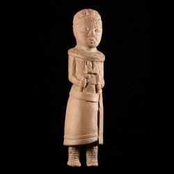 Figurine Ife en terre cuite...