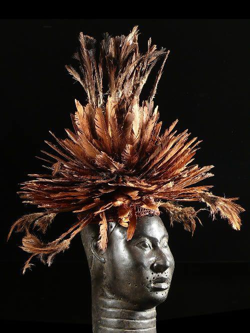 Coiffe Aka en plumes - Bamileke - Cameroun - Coiffes africaines