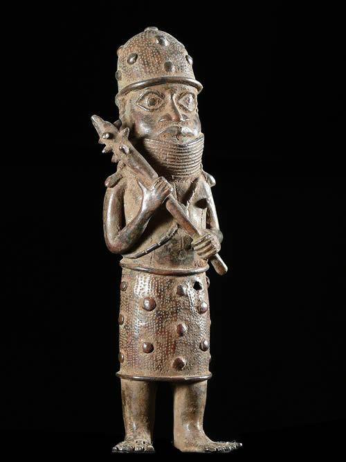 Oba en tenue de guerre - Bini Edo - Benin - Bronzes du Benin