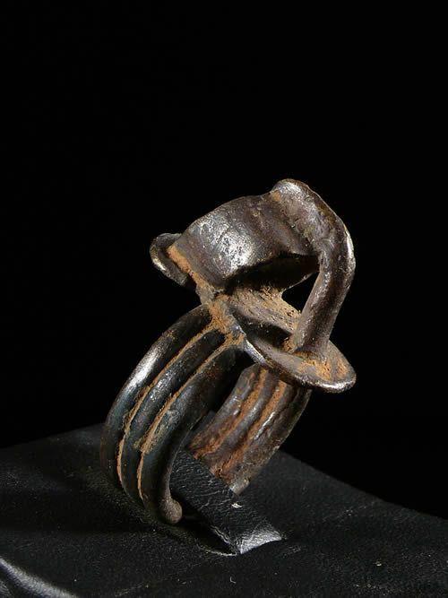 Bague amulette Sandale - Lobi - Burkina Faso