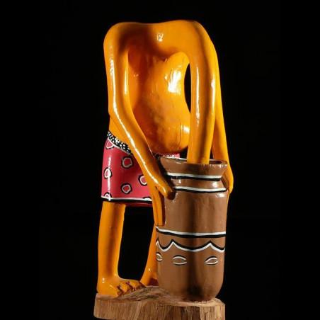 Sculpture Shetani Tete dans...