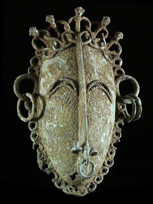 Masque Bronze ancien - Tikar - Cameroun