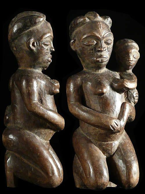 Statuette feminine maternite - Pende - RDC Zaire