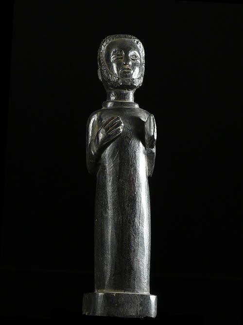 Statuette de Pretre Chretien - Mossi - Burkina Faso