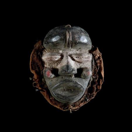 Masque de famille - Guere -...