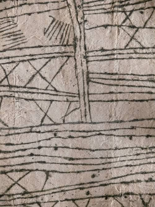 Murumba en ecorce battue - Pygmees / Mbuti - Ituri - RDC Zaire
